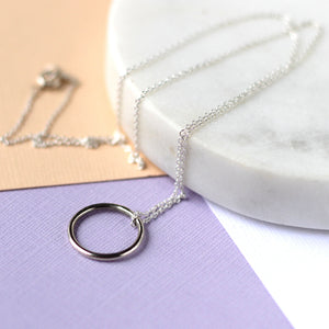 Circle Silver Gift Set - Circle Necklace and O Studs