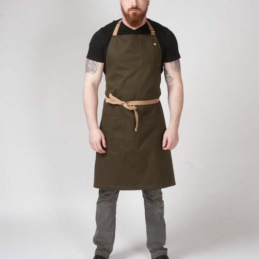 classic apron with 3-pockets and adjustable slide neck