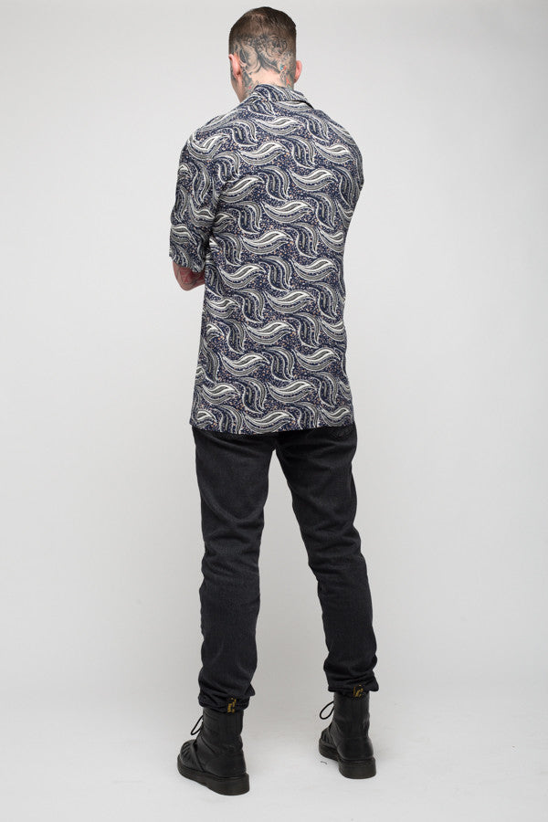 Roadies of 66 - Mobster Paisley printed revere collar shirt