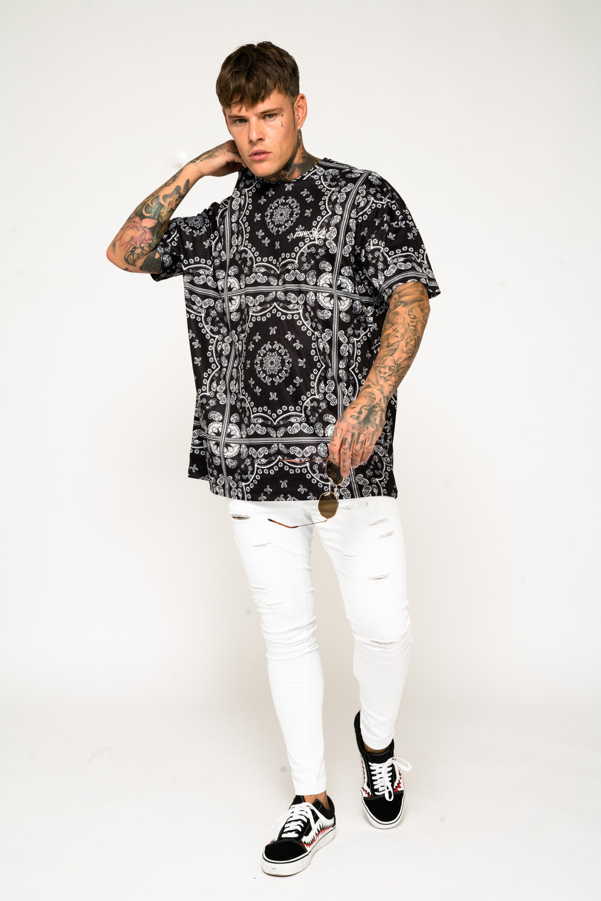 Roadies of 66 - Oversized T-Shirt in Bandana Print
