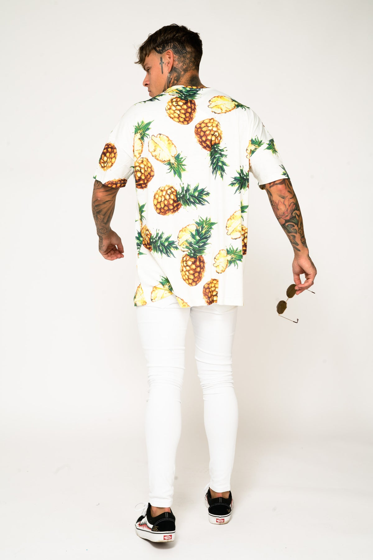 Roadies of 66 - Oversized T-Shirt in Pineapple Print