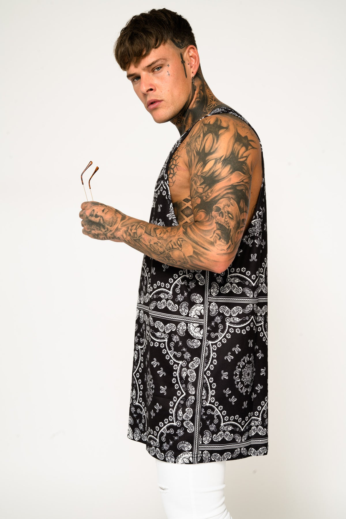 Roadies of 66 - Oversized Bandana Print Vest