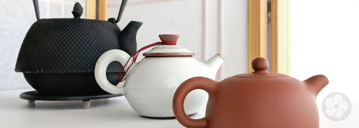 Picking the Perfect Teapot: Cast Iron vs. Ceramic