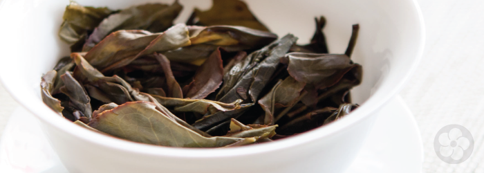 phoenix oolong leaves are extremely flavorful and aromatic, but can also be astringent.
