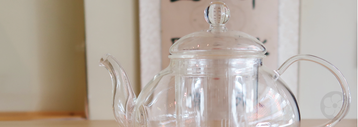 A classic glass teapot with a large volume for easy sharing