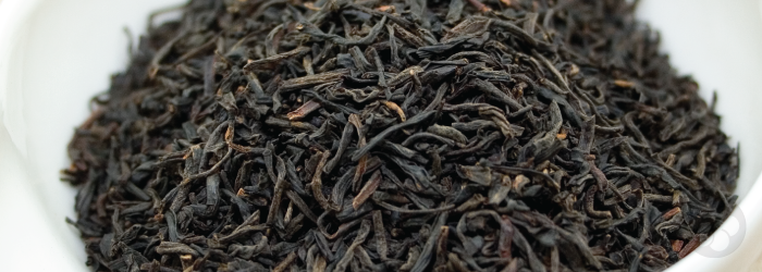 Keemun black tea looks like a standard English-style tea, but is usually sweeter than Indian varieties.