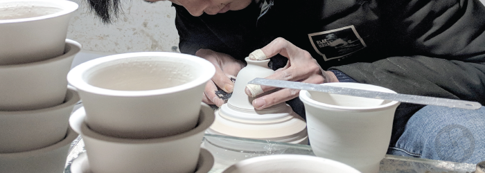 mixing porcelain clay with pulp or fiber makes it easy to work with, but not stronger after firing.