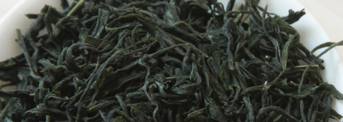 Cloud and mist green tea is perfectly balanced for everyday drinking, with a full body and tons of flavor