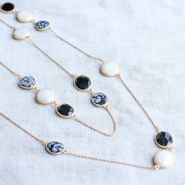 Black onyx, dendrite and mother of pearl necklace