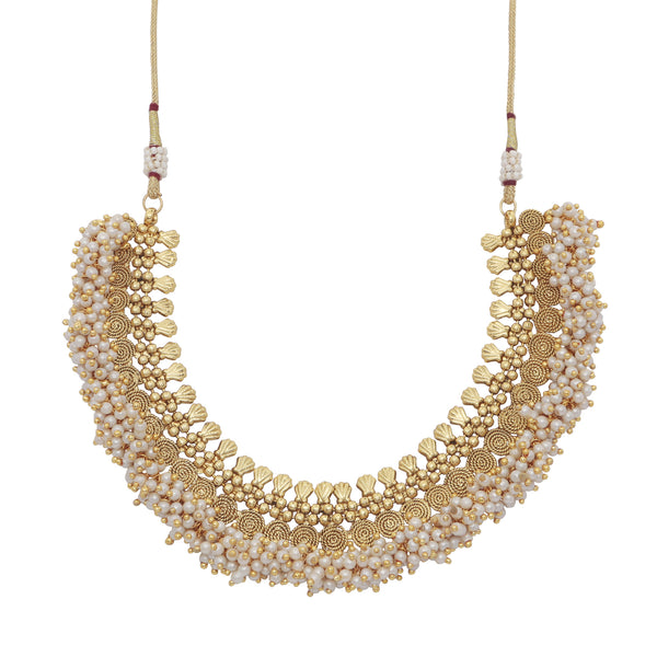 Traditional pearl cluster necklace