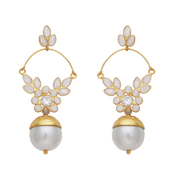 Delicate pearl and crystal gold earrings