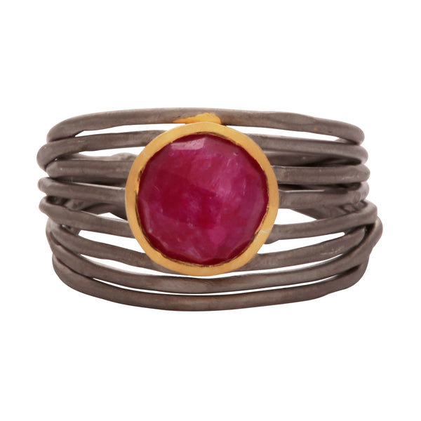 Nest ring with ruby corundum