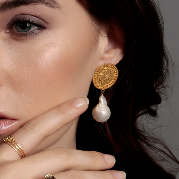 Mismatched monarchs baroque gold earrings