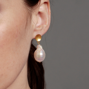 14k Solid gold nugget and pearl earrings