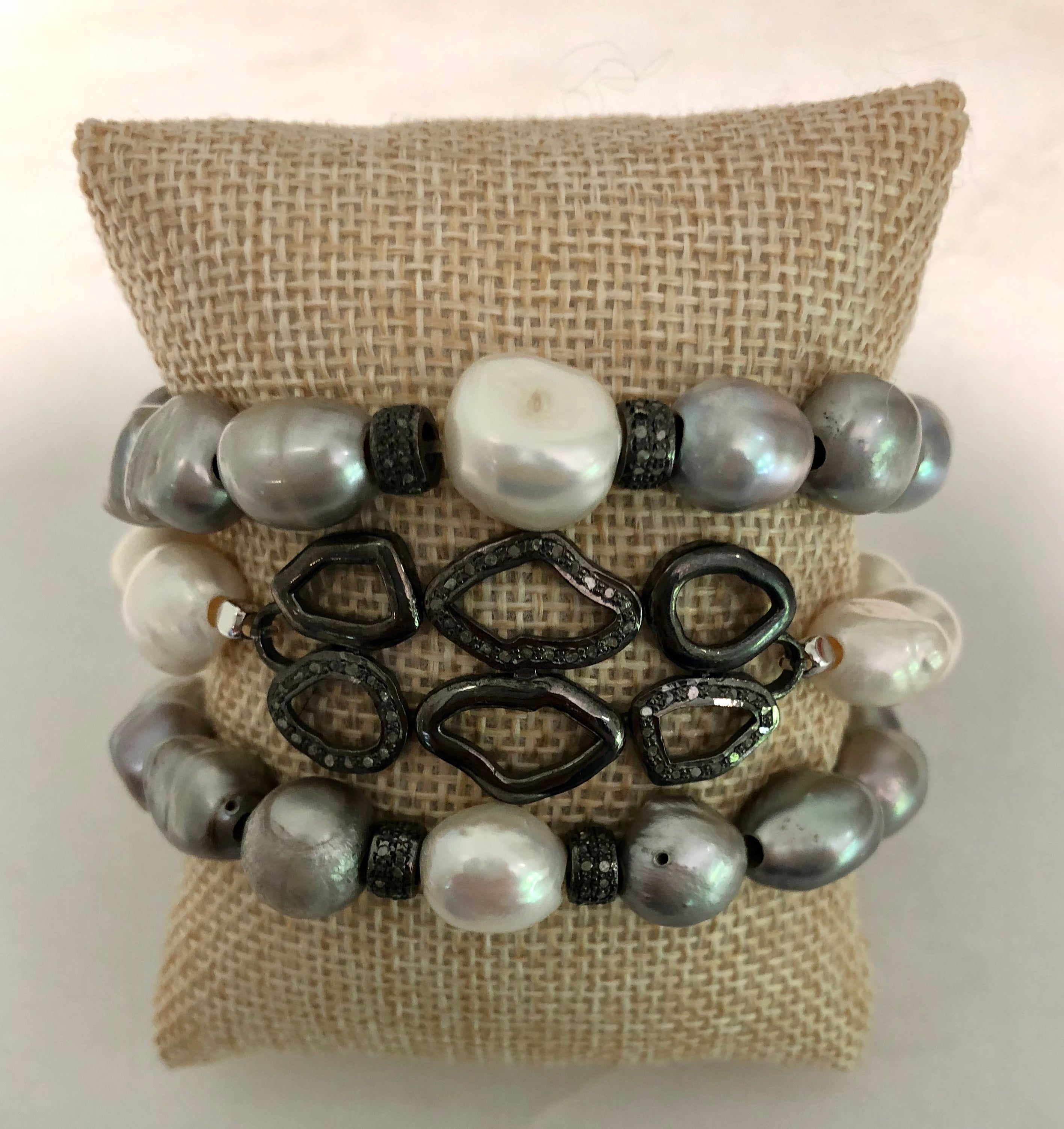 silver and white pearl diamond plate bracelet