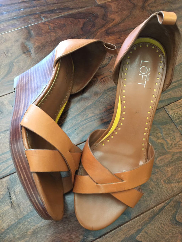 Pre-Loved Women's Shoes: Leather Ann Taylor Loft Wedges Size 9/9.5