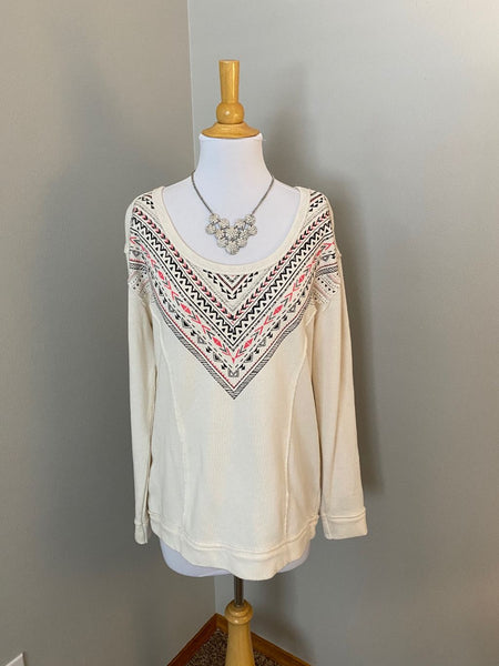 Pre-Loved Maurices tribal print wide scoop sweatshirt L/XL Like New