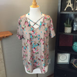 Pre-Loved Women's New Floral Criss-Cross Top Size XL/1X