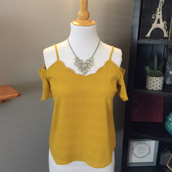 Pre-Loved Women's Scallop Off Shoulder Blouse, Size S