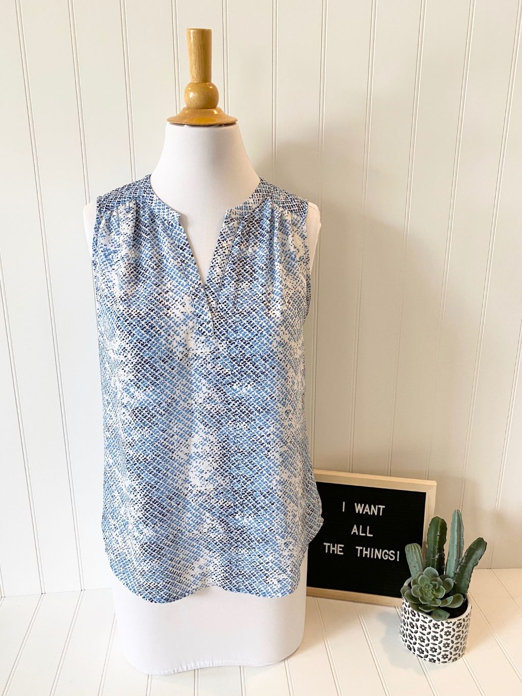 Pre-Loved Women's Dalia Dressy Tank Blouse Size M Like New