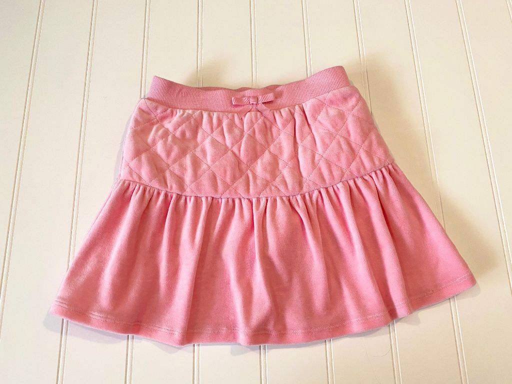 Pre-Loved Girls New Gymboree Quilted Velour Skirt Size 5