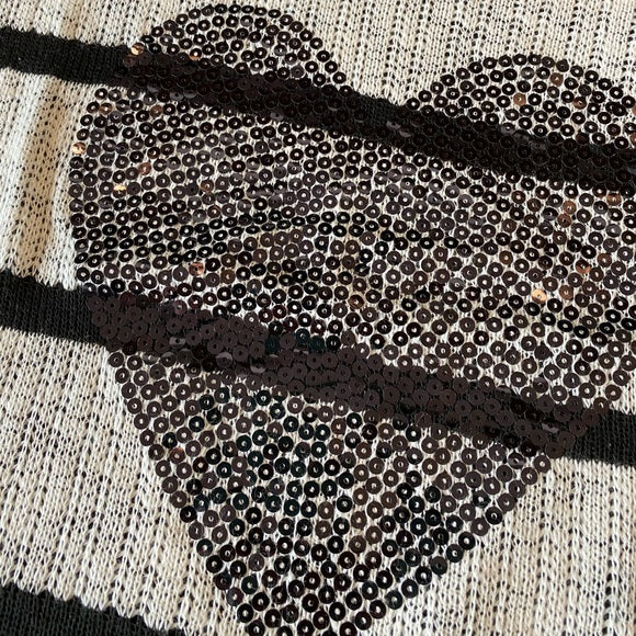 Pre-Loved Plus size sequined heart thin sweater top, size 2X