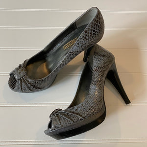 Pre-Loved Women's Shoes: Moda leather snake skin print peep-toe heels 7M