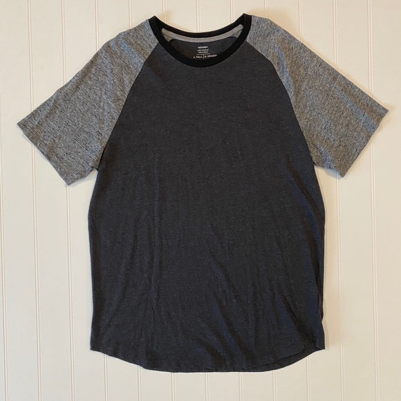 Pre-Loved Like New Old Navy Raglan Tee size L Tall