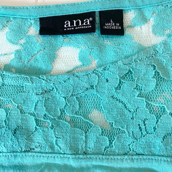 Pre-Loved a.n.a Mint Lace Mix Top size L