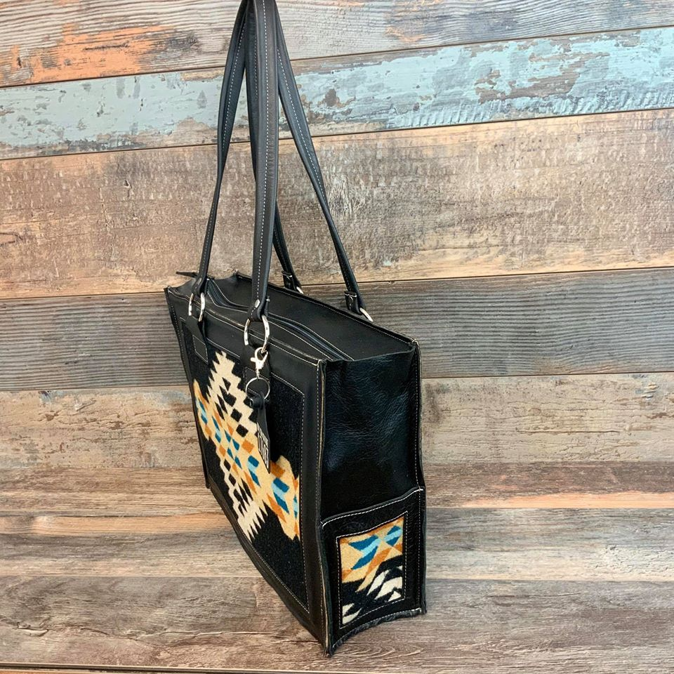 Get Outta Town Tote Pendleton® Specialty Collection - #17683