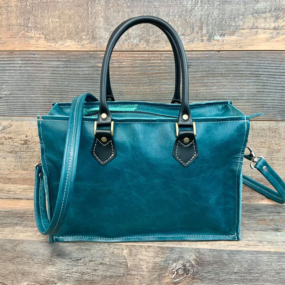 Small Town Hybrid Tote - #17612