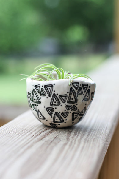 Classic Planter - Painted Black Triangles