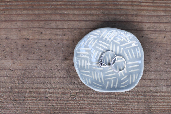 Grey Carved Dash Ring Dish