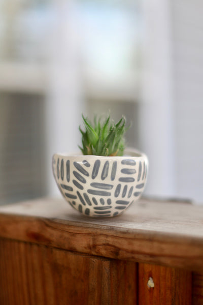 Mini Grey Planter- Dashes