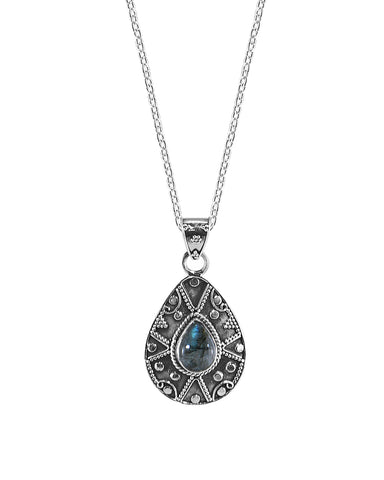 Desert Muse Sterling Silver Pendant Necklace - Labradorite