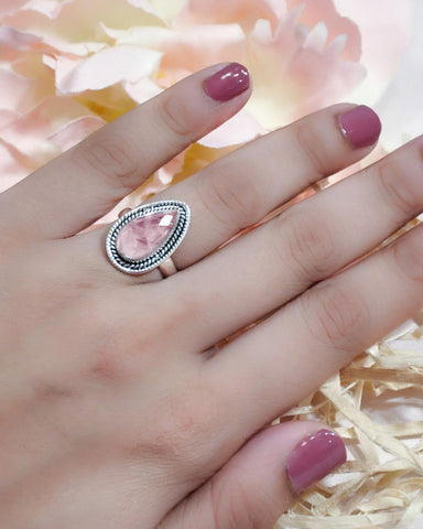 Splendor Pear Cut Rose Quartz 925 Sterling Silver Ring