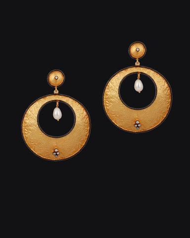 Big Hoop Earrings in Textured Gold Vermeil
