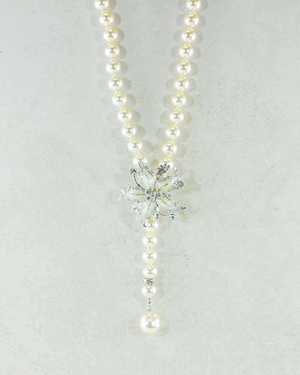 Elegant Lariat and Brooch Pearls Adjustable Necklace