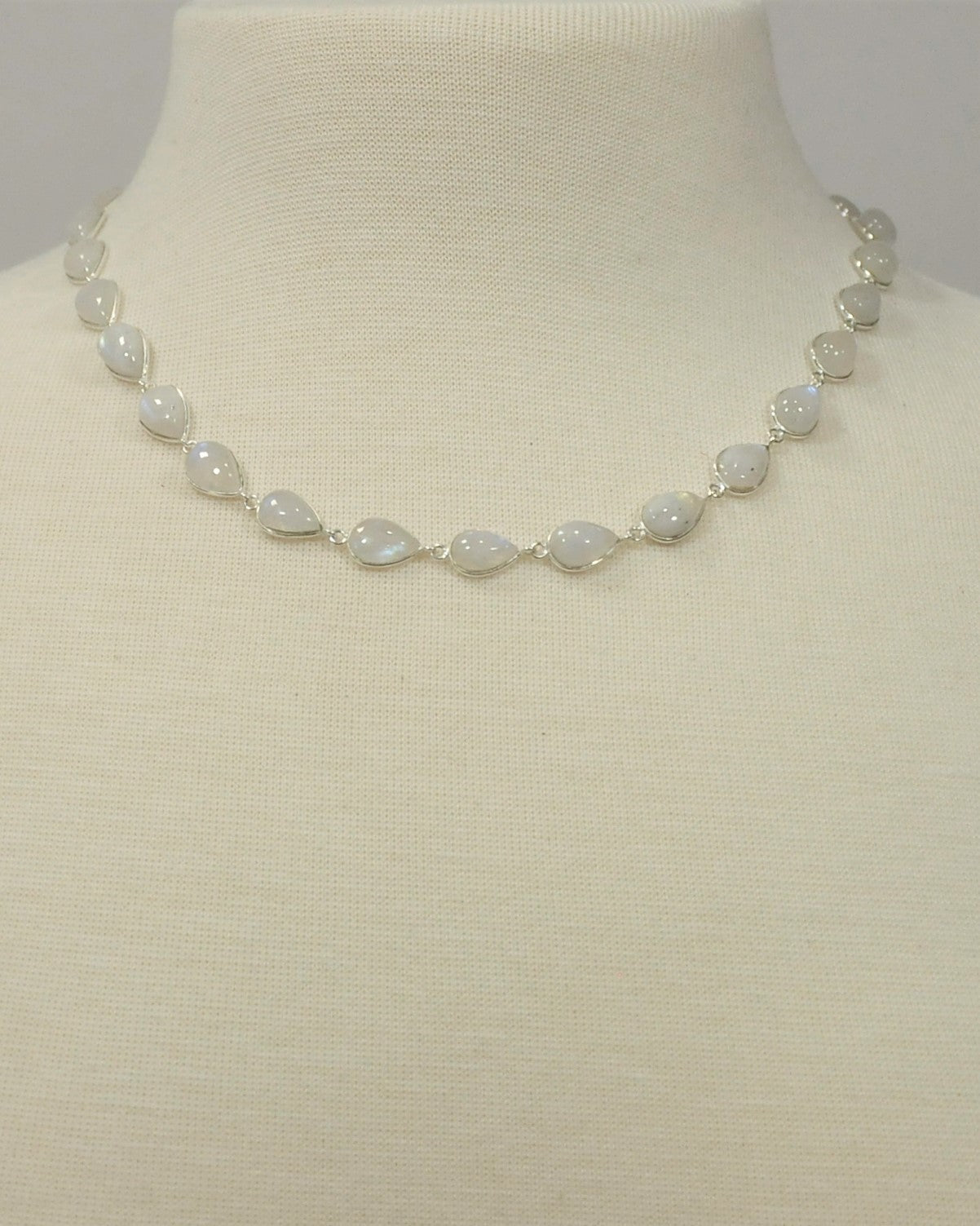 Splendor Moonstone Sterling Silver Station Necklace