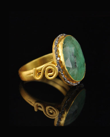 Vintage Emerald and Old Mine Cut Diamonds Ring