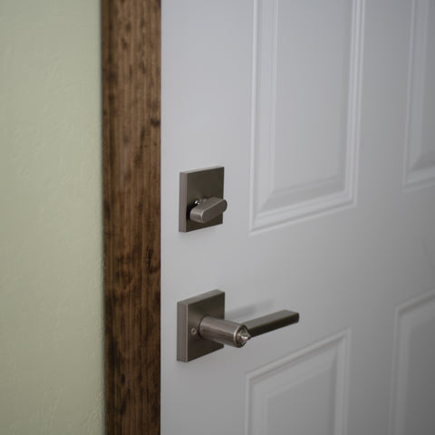 Vienna Lever & Contemporary Square Deadbolt Interior in Satin Nickel