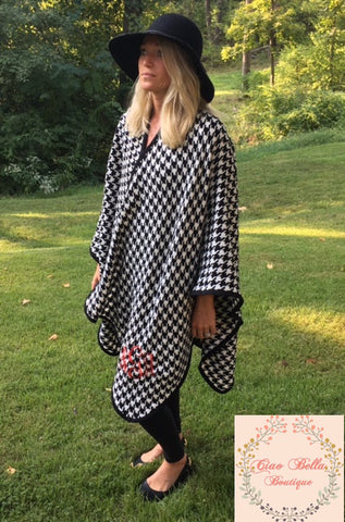 Houndstooth Ruana Poncho - Ciao Bella Boutique
