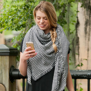 Houndstooth Blanket Scarf - Ciao Bella Boutique