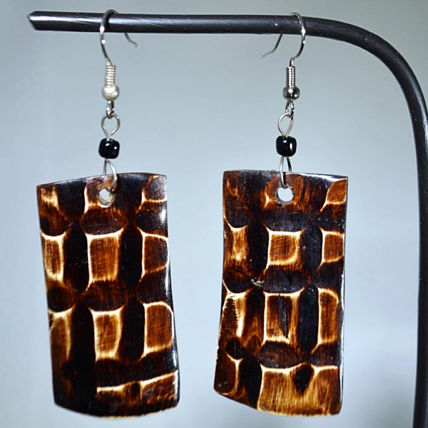 Check patterned rectangle-shape wooden earrings