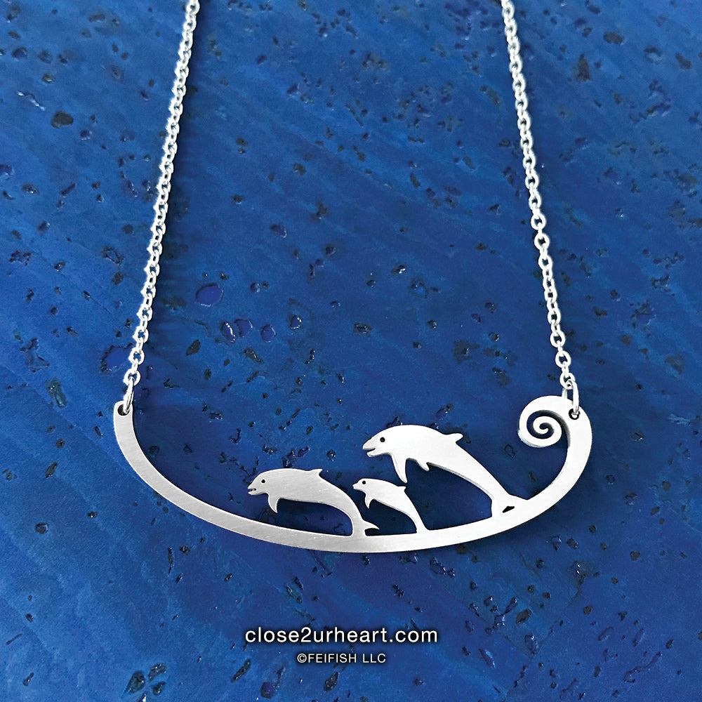 Close 2 UR Heart Dolphins Necklace