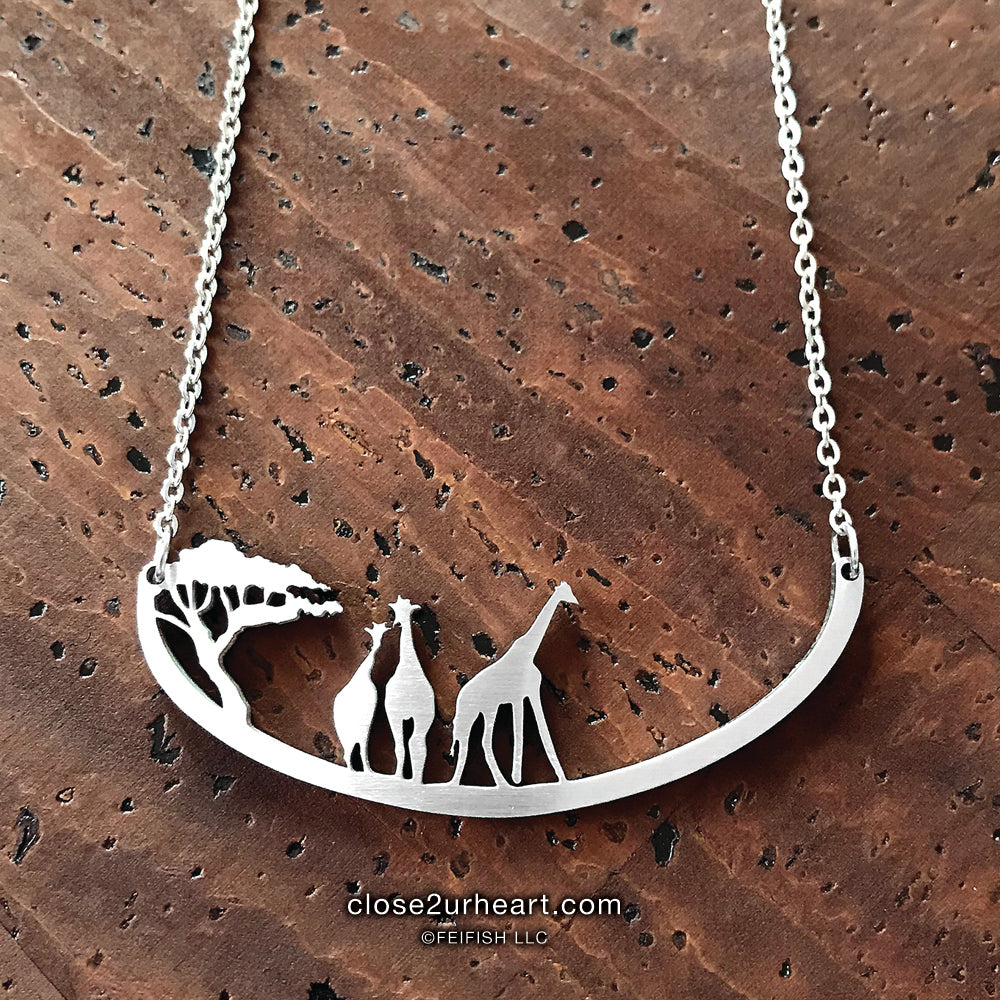 Close 2 UR Heart Giraffes Necklace