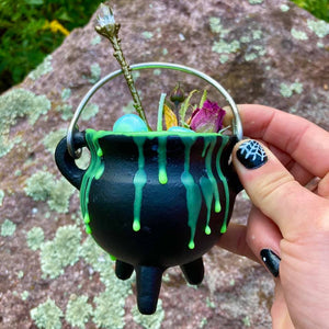 Bubbling Witch's Brew Cauldron Candle