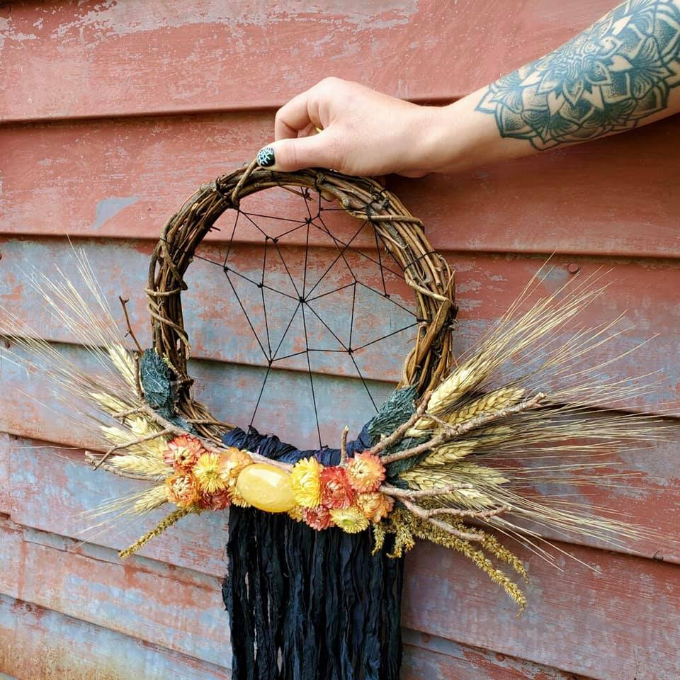 Golden Spider Wreath