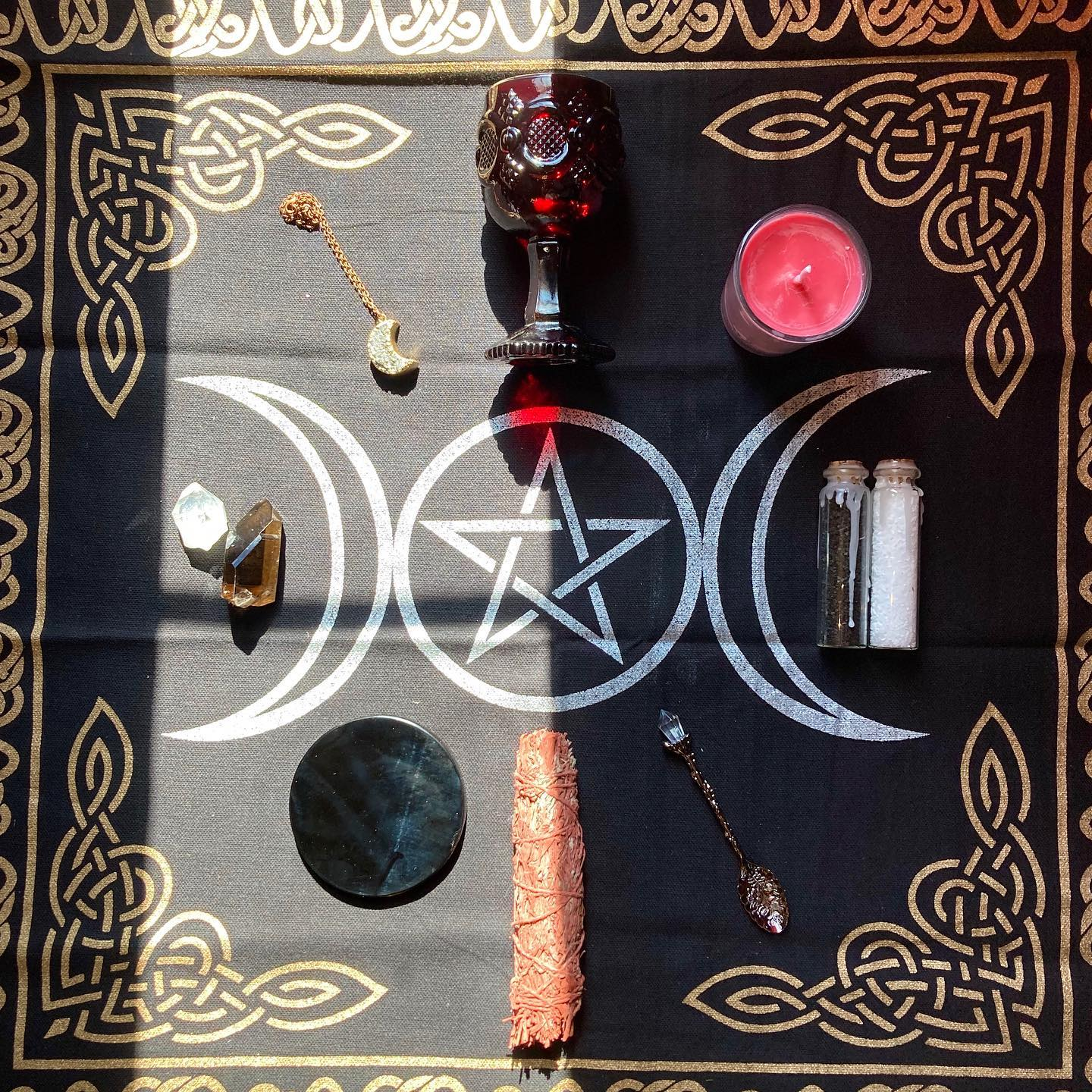 The Black Moon Altar Set
