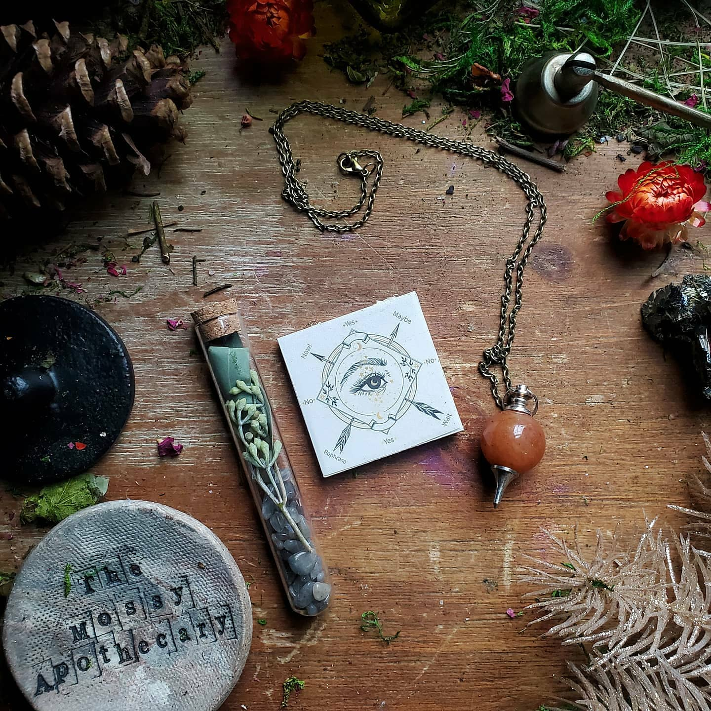 The Seeing Eye ☆ Pendulum necklace gift set